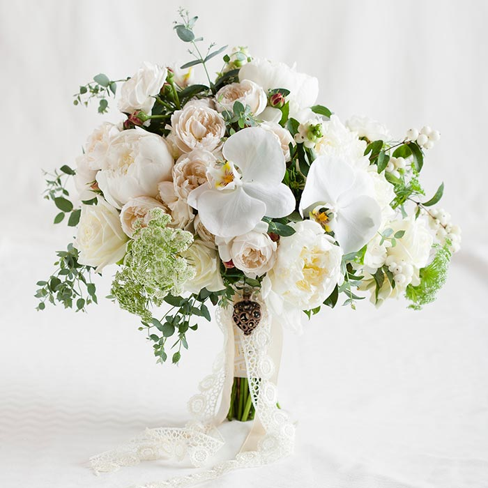 Chanele Rose Flowers Pretty Wedding Bouquet