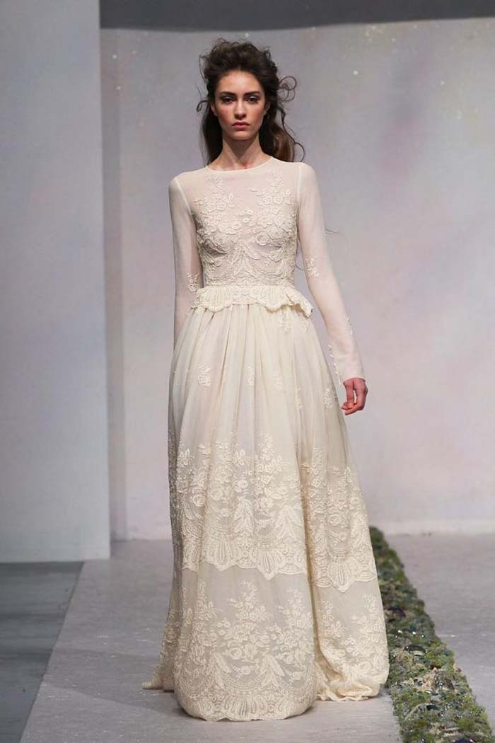 The loveliest long sleeved wedding dresses 13 luisa beccaria 25 junglespirit Choice Image