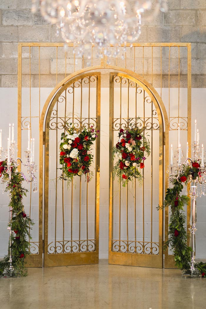 s2-GoldenLuxuryWeddingArbour-RedRoses